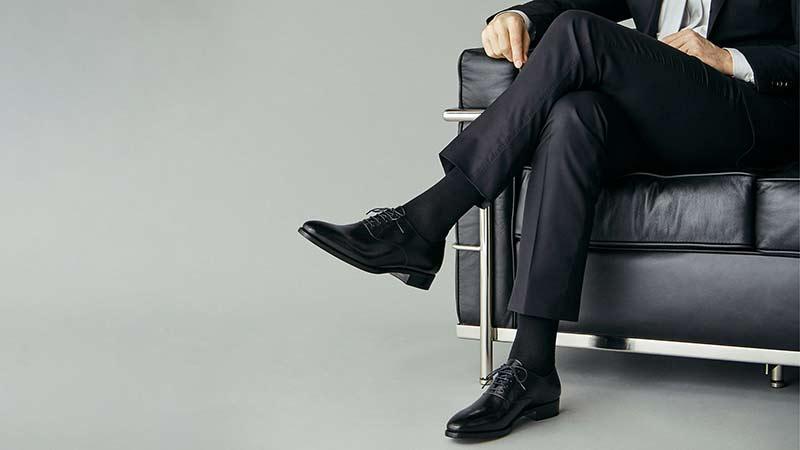 靴下のコーディネート2つの掟!靴下屋や通販も活用。メンズ必見